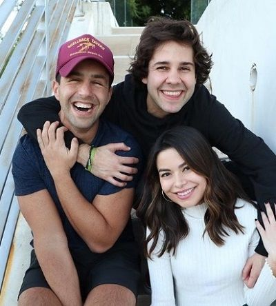 Miranda Cosgrove with her YouTuber friends Josh Peck and David Dobrik