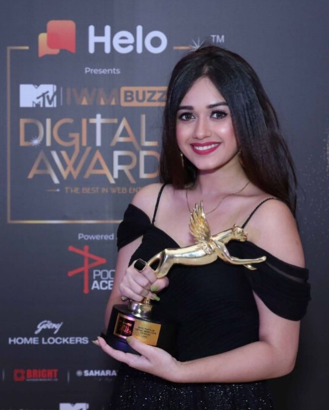 Jannat won the title of Most Popular Social Media Star.