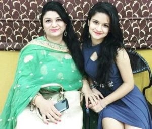 Avneet Kaur with her mother Sonia Nandra