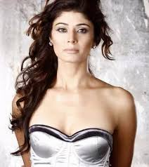 Pooja Batra Height